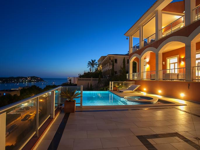 Villa with stunning sea views in Santa Ponsa