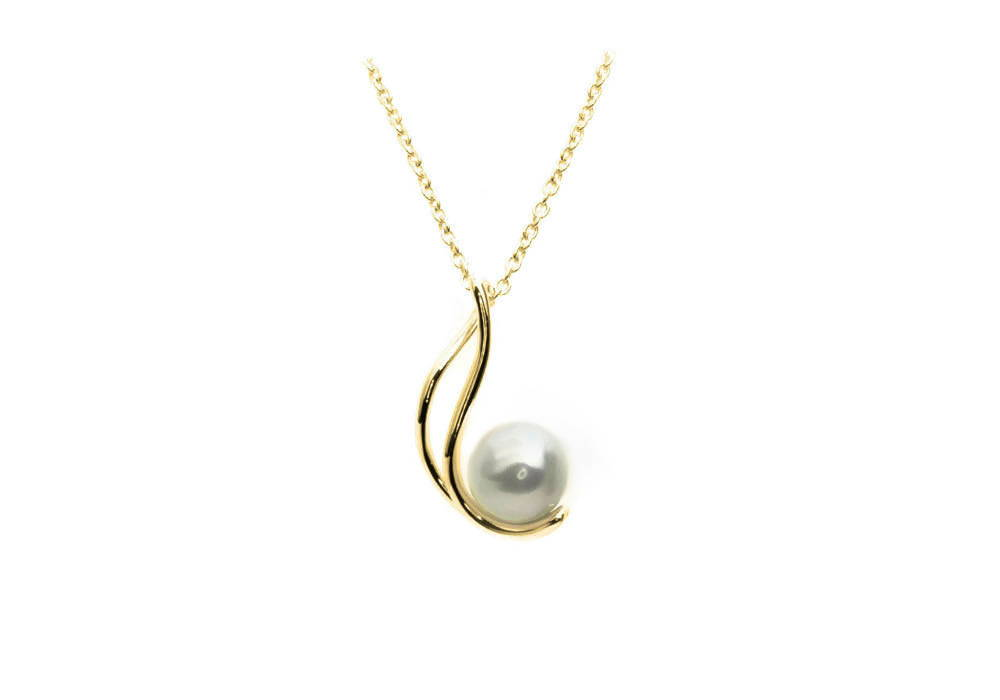 necklace with natural pearl - the cradle