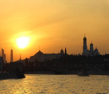 «Вечерняя Москва» музыкальный круиз (с саксофоном) с видом на Кремль