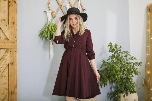 Бордовое платье на пуговицах из тенсела