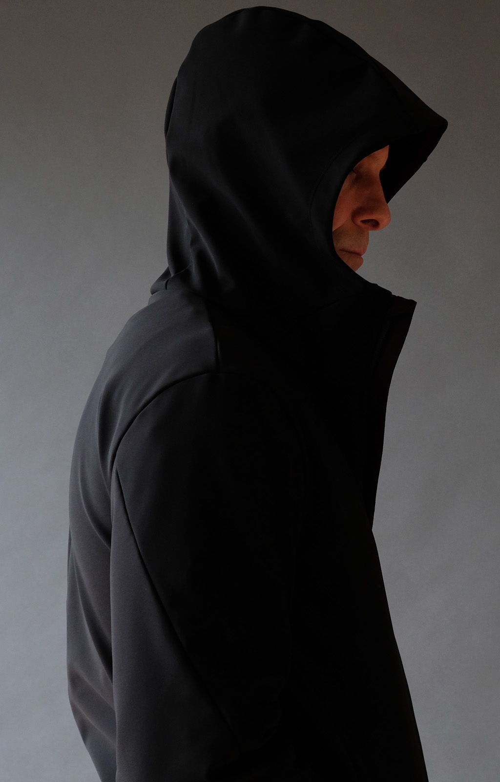 IMAGINATION – ELEGANT AND ARTISTIC TECH TRAVEL HOODY BLACK
