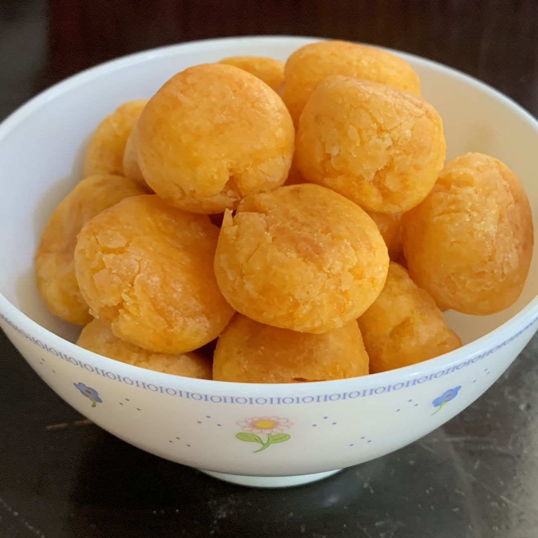 Can't help munching the chewy potato balls! So addictive! 😋