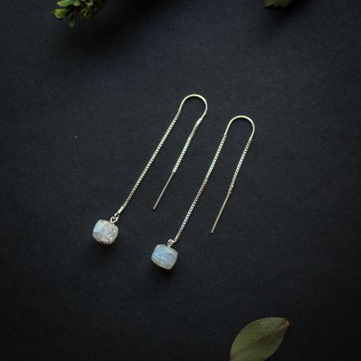 Серьги-цепочки протяжки с лунным камнем серебро 925