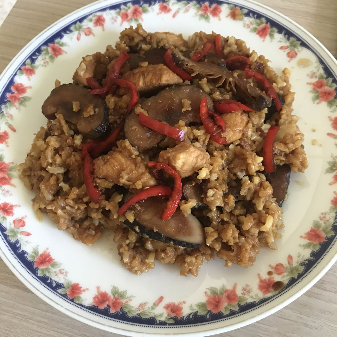 Claypot chicken & mushrooms. Simply delicious!!! 🤗❤️