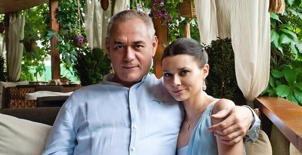 Вдова Доренко обнародовала архивные свадебные фото - Новости радио OnAir.ru