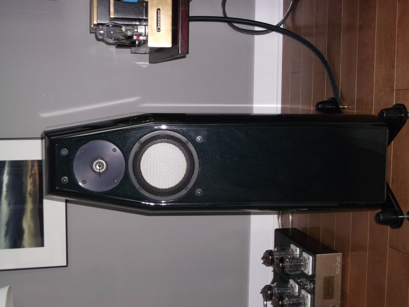 KHARMA CRM 3.2 FE Reference speakers