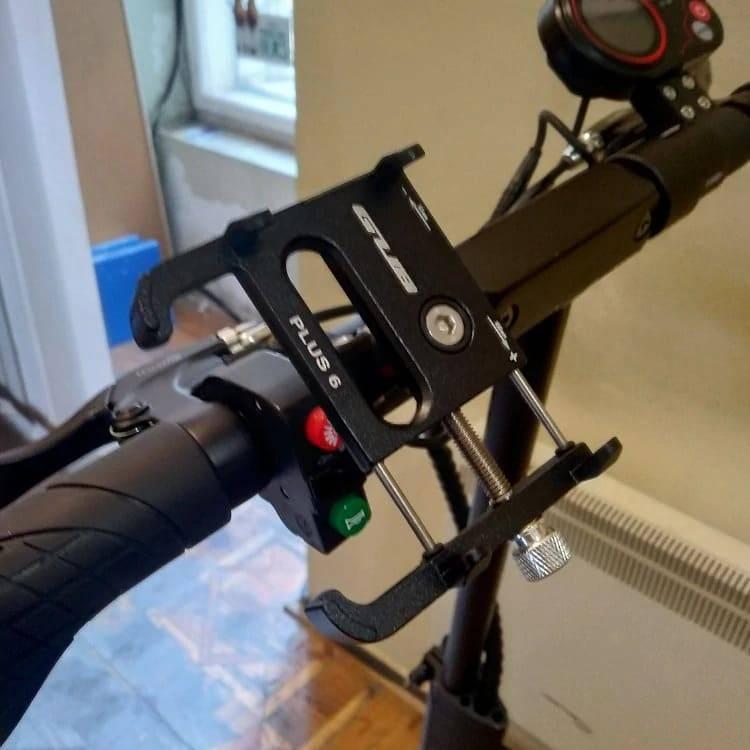 support telephone trottinette rotatif accessoire
