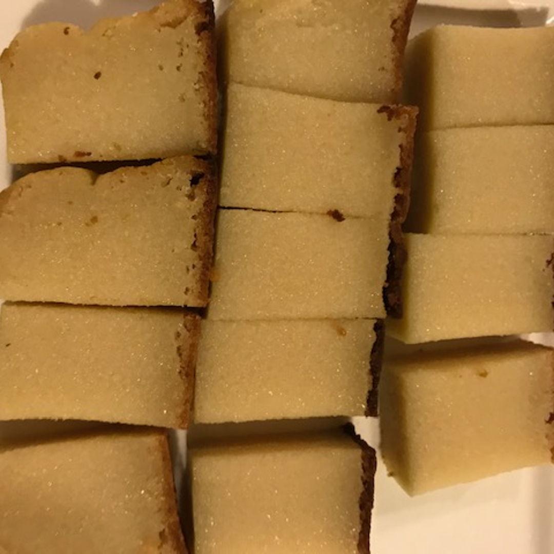 Kuih Bingka (Baked Tapioca/Cassava)