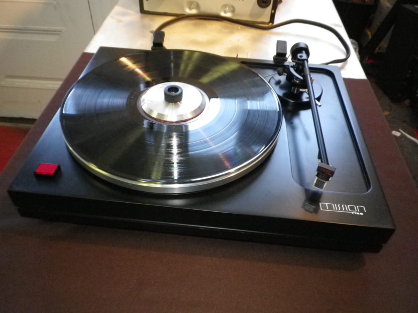 Mission  775s with a 774 (original) Tonearm,  a Fantastic Combination