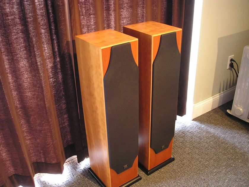 Monitor Audio Silver 8i Cherrywood The most musical Silver