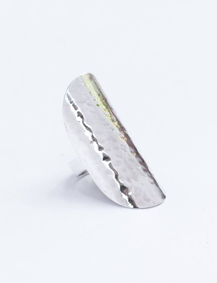Длинное серебряное кольцо без вставок и камней