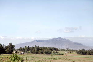 Hiking to Mt Longonot