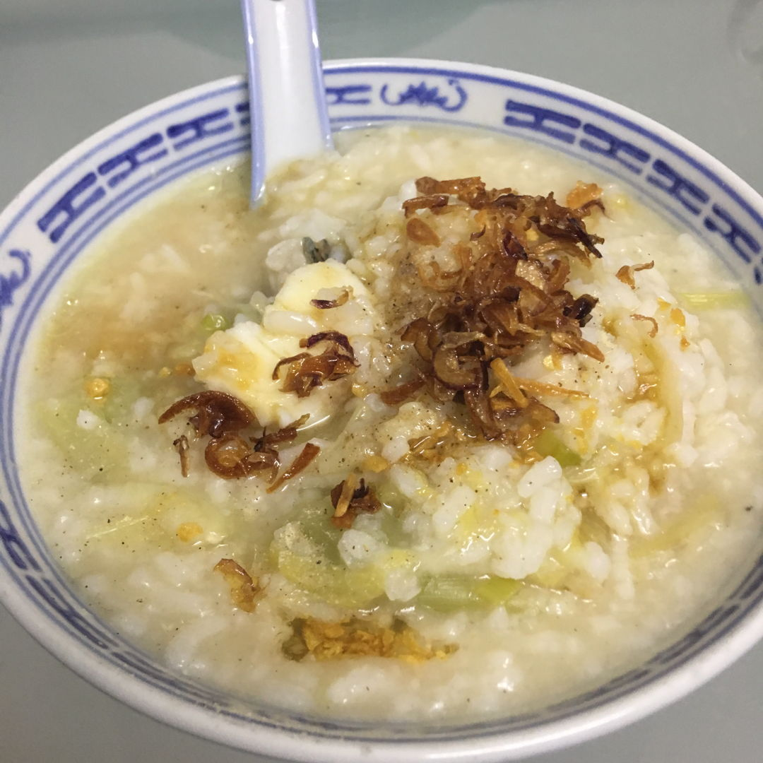 May 10th, 20 - Fish porridge with a lot of fried shallots.