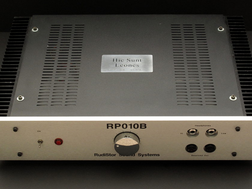 Rudistor RP010B Mark II Headphone Amplifier Quad-Mono Balanced and Single-Ended outputs and inputs