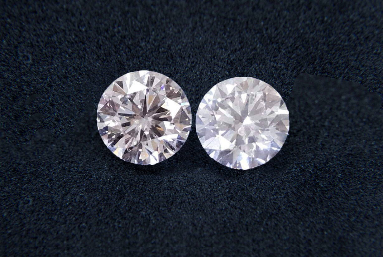 Shop for diamonds in Montreal. See diamonds side by side to see the difference between a diamond with and without sparkle.