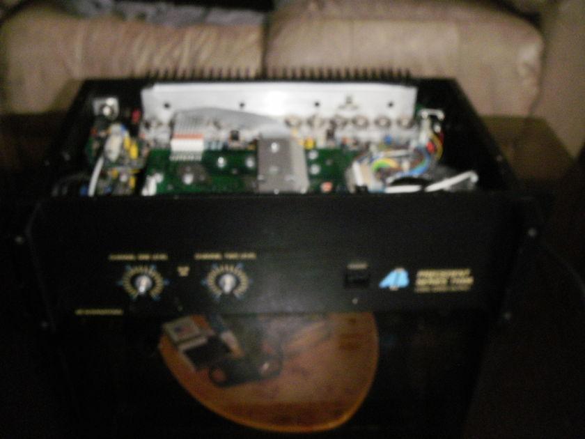 AB International 1100A power amp