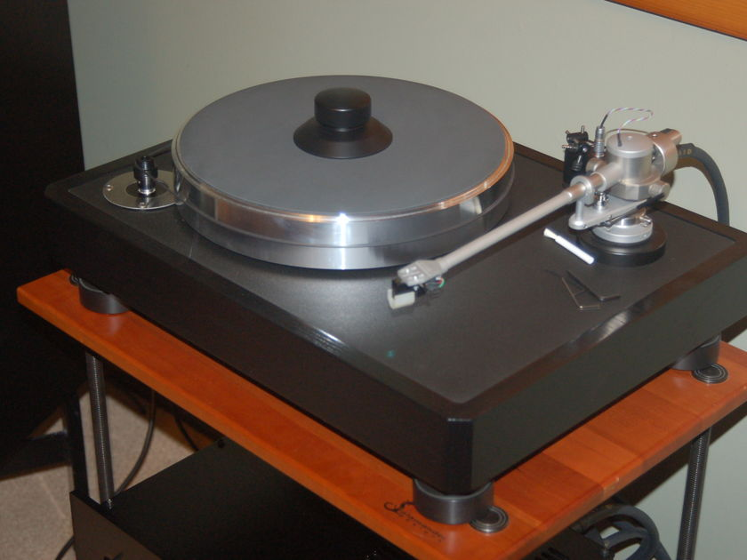 VPI Industries Classic One Black Oak 30th Anniversary Edition