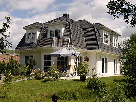 Hamburg - Engel & Völkers Deutschland helps you sell your spacious home in Germany