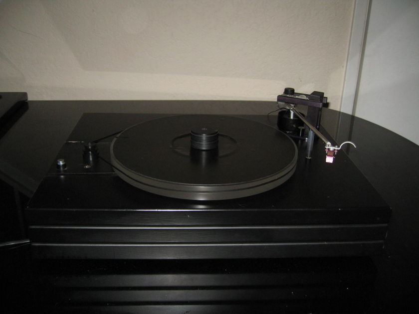 Well Tempered  Classic w/ Van den Hul MC-2 Turntable w/ Cartridge and Cover