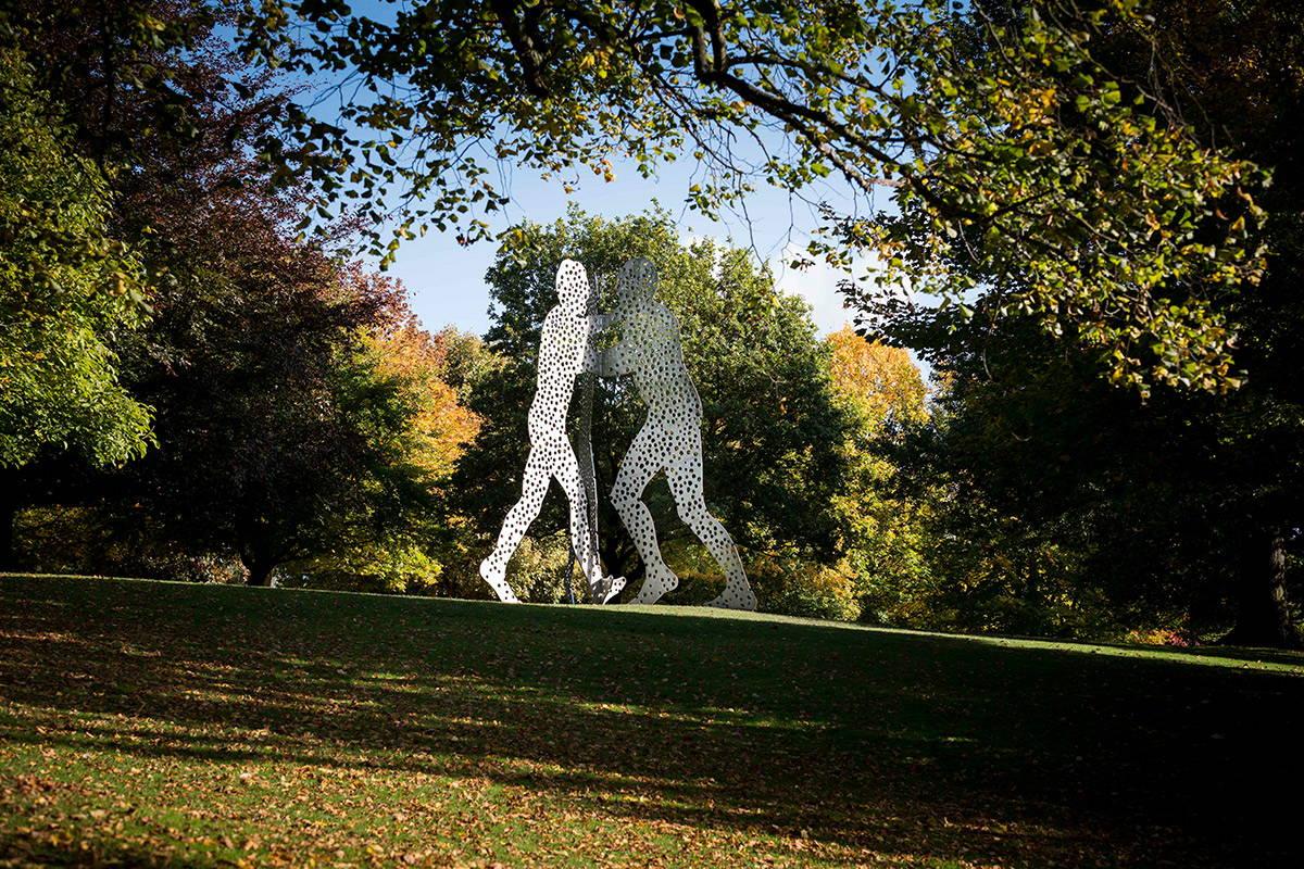 Jonathan Borofsky, Molecule Man 1+1+1, 1990 Yorkshire Sculpture Park