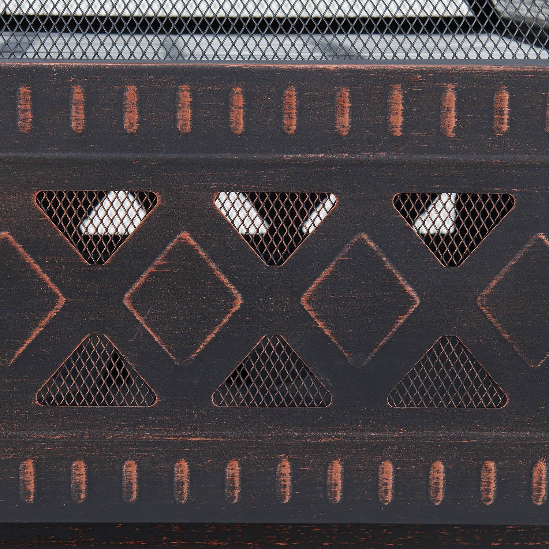 Rustic Lattice Detailing