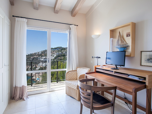 Home office_sanctuary_Engel_Voelkers_Mallorca_W-022VBY.jpg