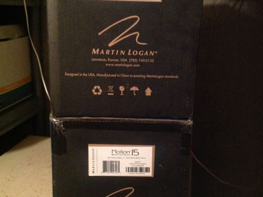 Martin Logan Motion 15 Bookshelves soeakers