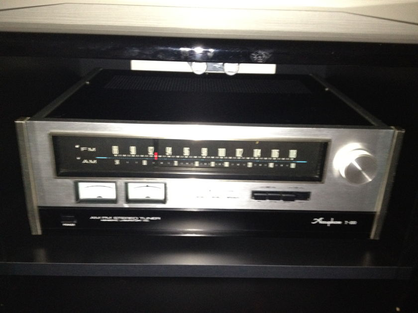 Accuphase T100