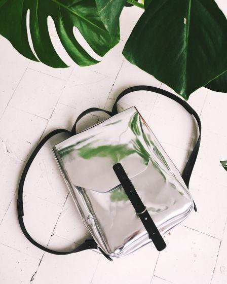 Рюкзак серебряный зеркальный кожаный маленький