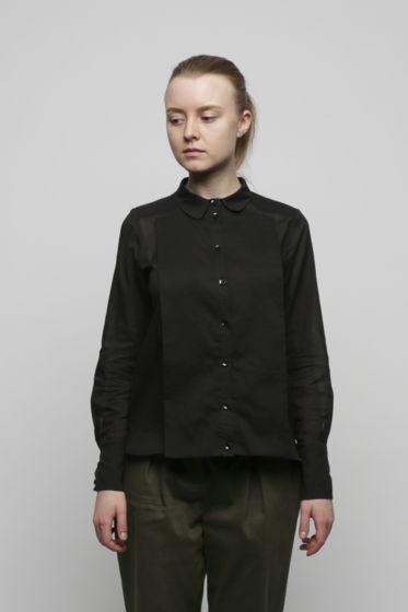Чёрная рубашка с манишкой