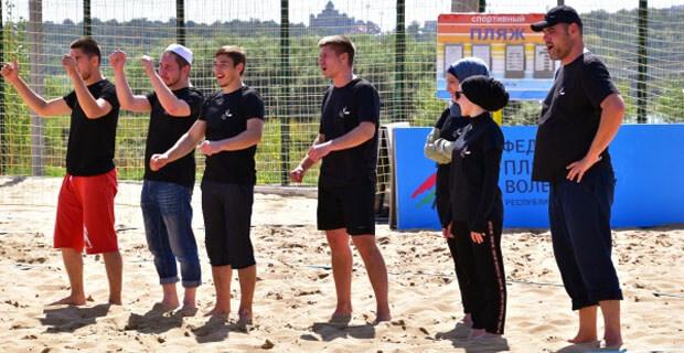 Сотрудники первого мусульманского радио «Азан» приняли участие в турнире по волейболу - Новости радио OnAir.ru