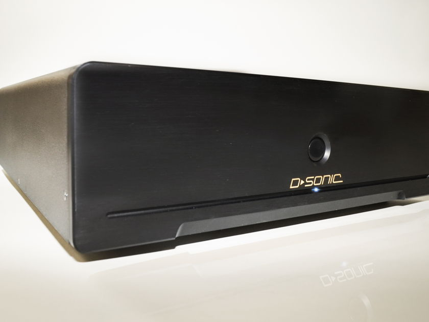 D-SONIC M3-2800-7 7 channel amplifier