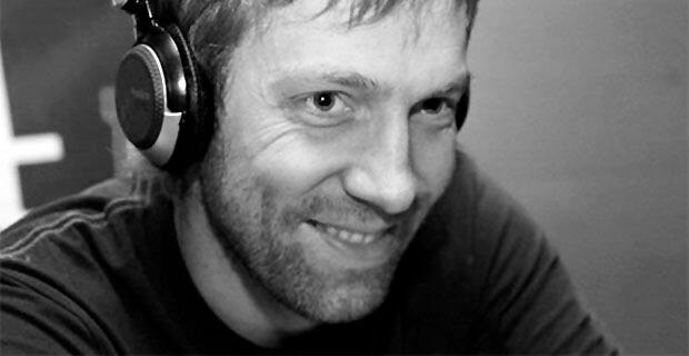 «Разбился о скалы»: трагически погиб создатель знаменитого саундтрека к сериалу Бригада - Новости радио OnAir.ru