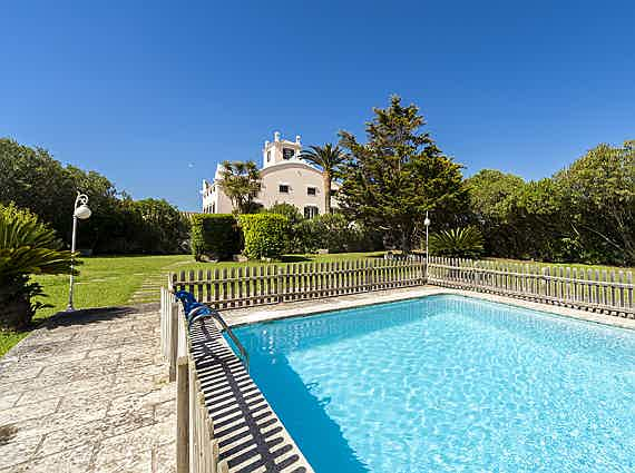 Mahón - 18th-century country property with stunning view for sale in Menorca