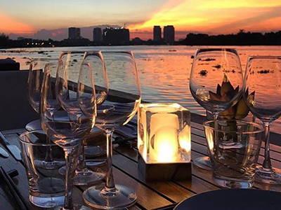 Cordless-Table-Lamps-The-Deck-Saigon