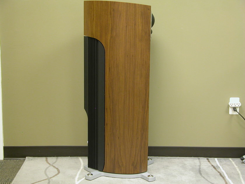Linn Klimax 350A Loudspeakers with Dynamic Power Supplies in Walnut