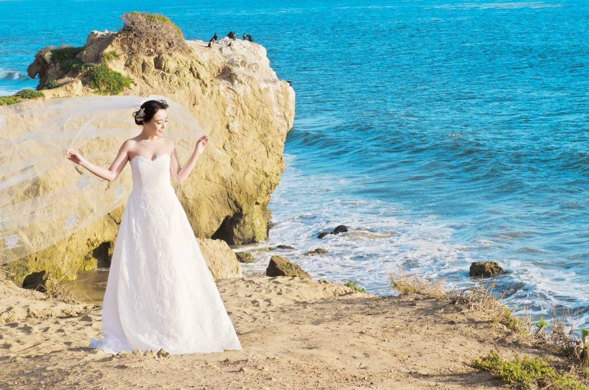 MALIBU PHOTOSHOOT WEDDING DRESS