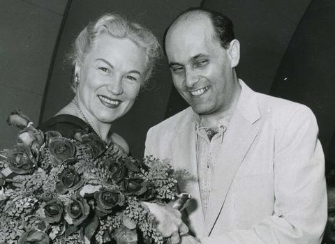 AUG 1954