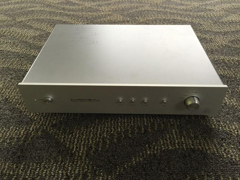Luxman E-200   Phono