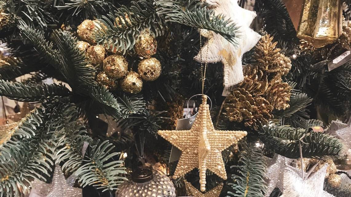 Stylish Christmas tree decoration