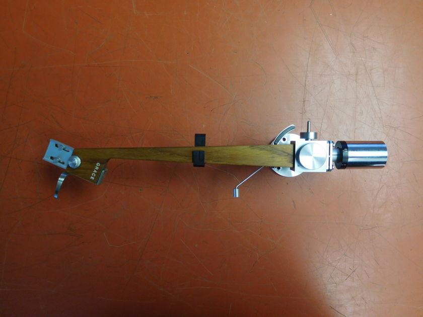 Grace G-707 The Wood Arm G-714