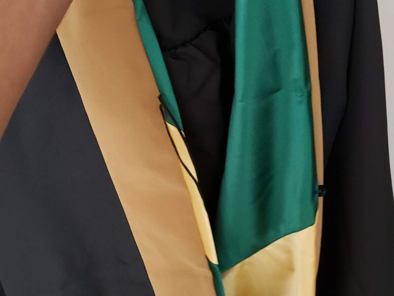 RENTERS BAY: Business  school gown cap for graduates