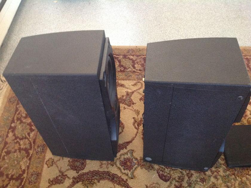 Meridian M33 Self Powered Speakers