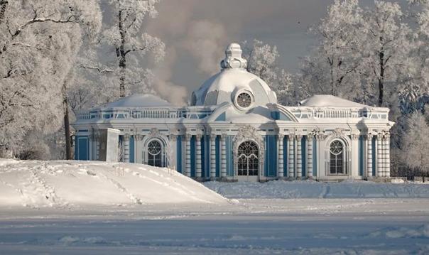г.Пушкин ( Царское село) и Екатерининский дворец с янтарной комнатной