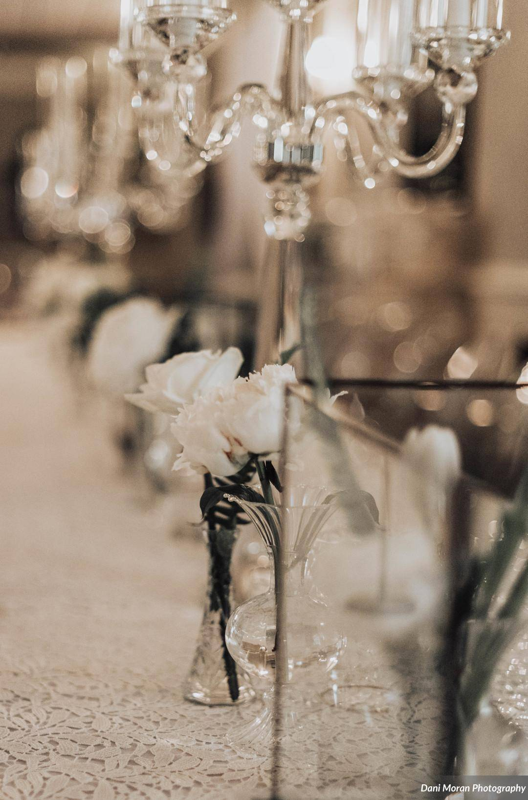 Spring Side inn wedding with Lovewell Design | White and Crystal wedding