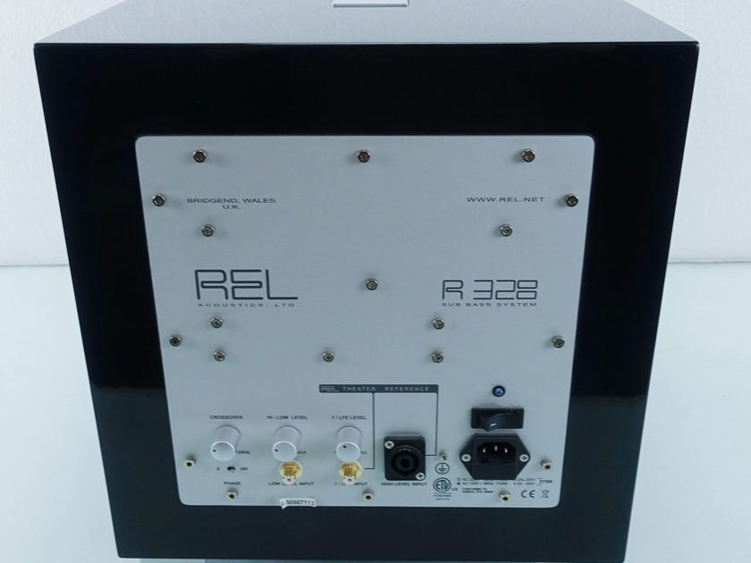 REL R-328 Powered Subwoofer (9124)