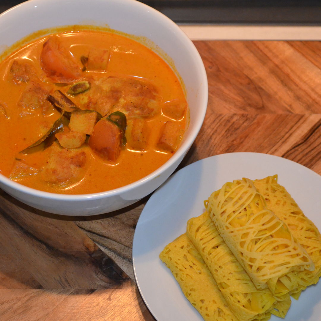 Date: 28 May 2020 (Thu) 12th Meal Set: Net Crepes served with Malay Curry Chicken [366] [162.9%] [Score: 10.0] Cuisine: Malaysian Dish Type: Snack/Any time of day