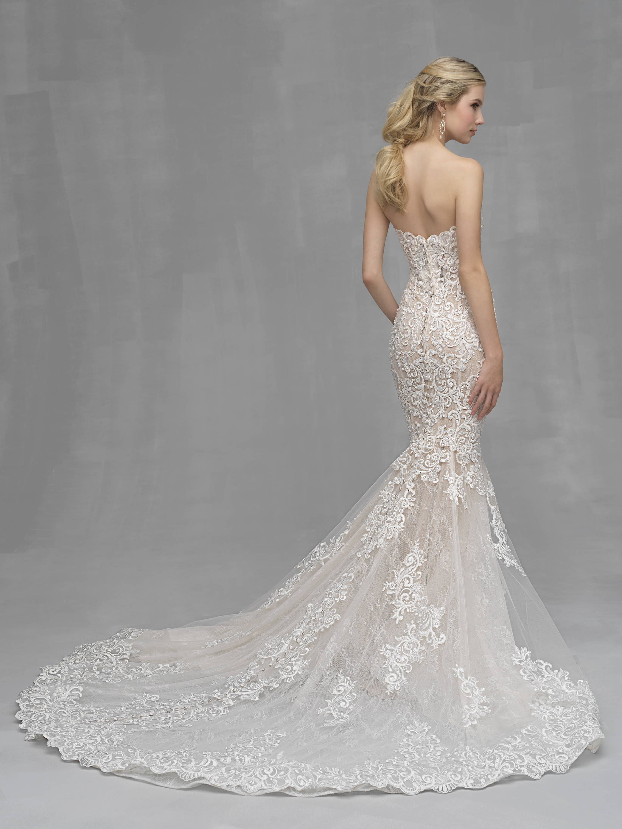 ALLURE  WEDDING DRESS C526