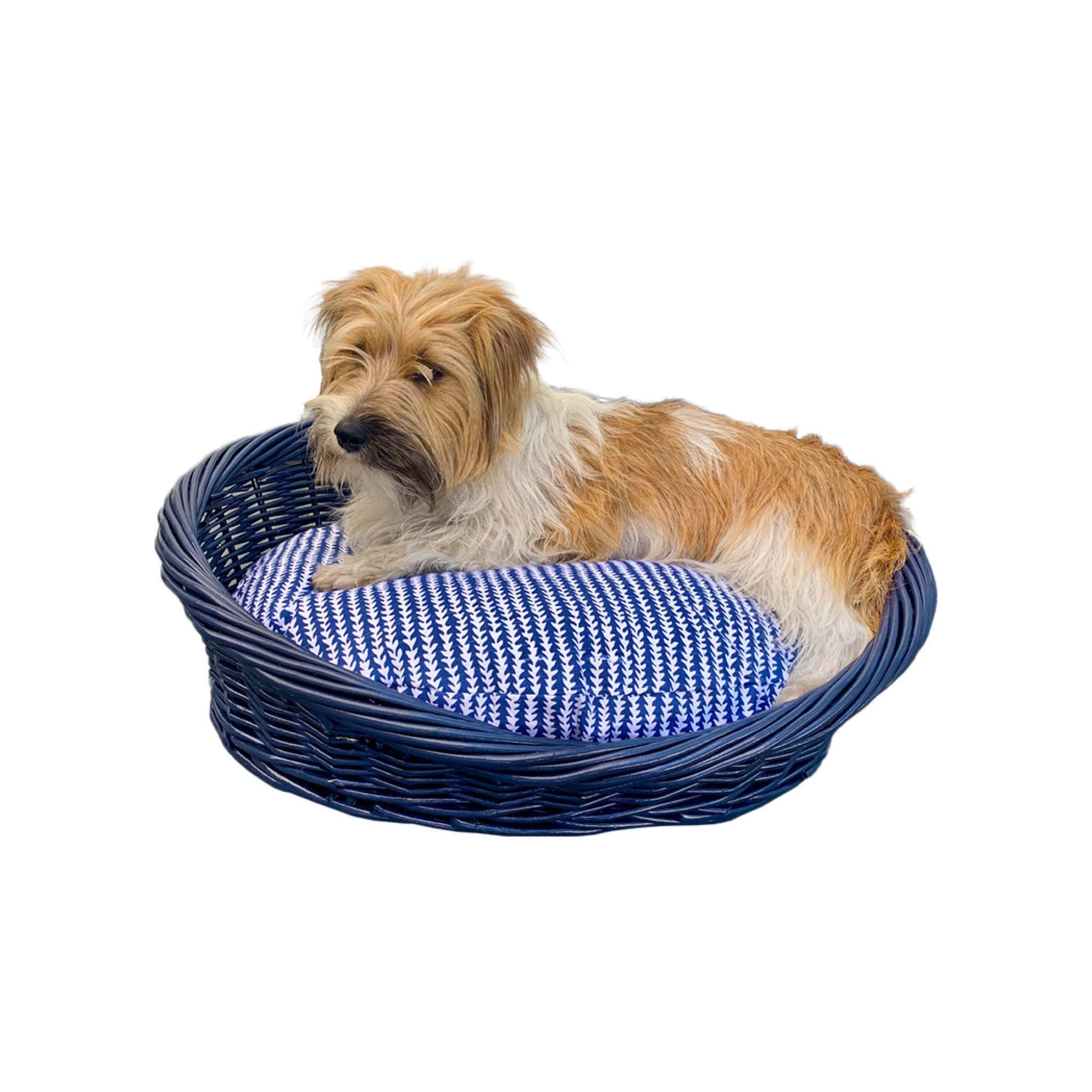 Caper on the small bundle with Bailey Fabric and Navy Basket