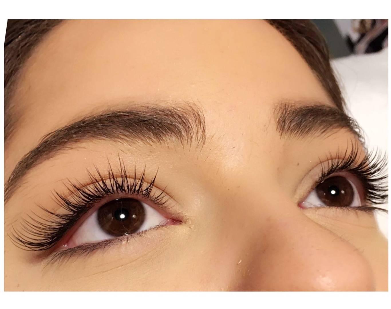 natural eyelash extensions by Moka & Sarah